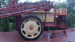 Növényvédő gépek Vicon permetező 2200,literes 21,m hidr kerettel elado Vegyszerező vicon 2200