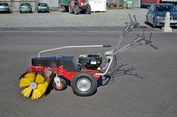 Panter DAKR SB 85 ipari lombseprű gép (közterületek tisztítására és hó mentesítésére)